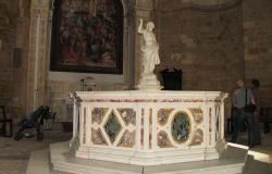 Toscane---Pisa---Volterra---Battistero-di-San-Giovanni--(2010-05-09_15-46-35)
