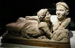 Museo_guarnacci,_urna_degli_sposi,_I_sec._ac