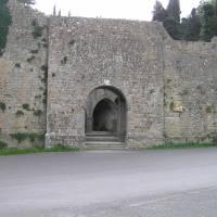 Porta e Fonti di Docciola