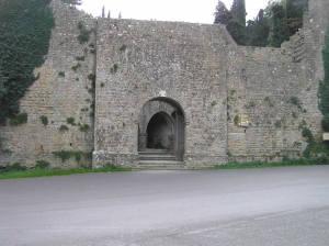 Porta-Docciola-Volterra.-Author-and-Copyright-Marco-Ramerini